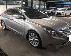 Cần bán xe Hyundai Sonata 2.0AT đời 2012, màu xám, giá tốt giá 598 triệu tại Tp.HCM