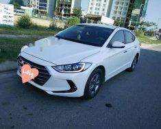 Cần bán xe Hyundai Elantra sản xuất 2017, màu trắng chính chủ   giá 535 triệu tại Đà Nẵng