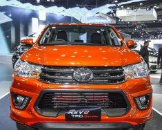 Toyota Hilux 2.8 AT (4x4)  màu cam, sản xuất năm 2018, nhập khẩu giá 878 triệu tại Tp.HCM