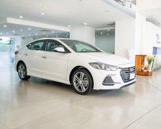 Xe Hyundai elantra 1.6 turbo màu trắng, xe giao ngay, nhiều ưu đãi giá 739 triệu tại Tp.HCM