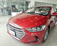 Bán xe Hyundai Elantra 1.6L số sàn màu đỏ, xe giao ngay giá 560 triệu tại Tp.HCM