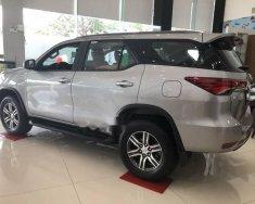 Cần bán xe Toyota Fortuner sản xuất 2018, màu bạc giá 1 tỷ 94 tr tại Tp.HCM