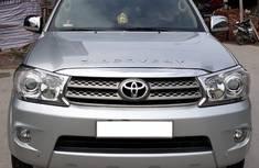 Toyota Fotuner 2.5 G 2010 Máy dầu, số tay, mầu bạc. Chính chủ tư nhân. giá 645 triệu tại Hà Nội