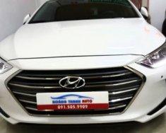 Cần bán lại xe Hyundai Elantra 2.0 AT năm sản xuất 2017, màu trắng   giá 666 triệu tại Ninh Bình