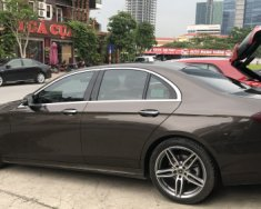 Bán xe Mercedes E300 đời 2017, màu nâu, còn bảo hành chính hãng giá 2 tỷ 500 tr tại Hà Nội