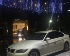 Chính chủ bán BMW 3 Series 320i sản xuất 2011, màu trắng giá 595 triệu tại Hà Nội