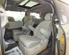 Bán Toyota Sienna 3.5LE sản xuất 2014, màu trắng mới 100% giá 2 tỷ 500 tr tại Tp.HCM
