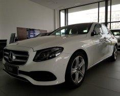 Bán Mercedes E200 giá siêu ưu đãi - hỗ trợ ngân hàng 3% năm giá 2 tỷ 99 tr tại Hà Nội