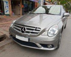 Cần bán xe Mercedes R500 5.5AT 2008 màu xám, nhập Mỹ, xe gia đình full tính năng giá 615 triệu tại Tp.HCM