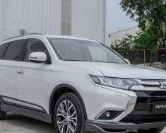 Cần bán xe Mitsubishi Outlander đời 2018, màu trắng, nhập khẩu nguyên chiếc    giá 808 triệu tại Đà Nẵng
