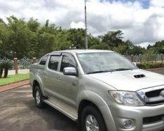 Bán Toyota Hilux sản xuất 2010, màu bạc giá 420 triệu tại Gia Lai