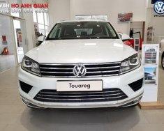 Bán Volkswagen Touareg màu trắng, hỗ trợ trả góp 90%, hỗ trợ 50% phí trước bạ, Hotline 090.898.8862 giá 2 tỷ 499 tr tại Tp.HCM