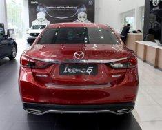 Cần bán xe Mazda 6 2.0L Premium đời 2017, màu đỏ giá 899 triệu tại Tp.HCM