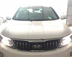Có nhu cầu đổi xe nên em bán xe Sorento màu trắng, số tự động, máy dầu giá 890 triệu tại Hà Nội