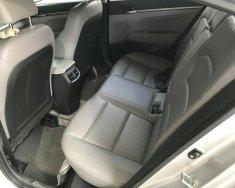 Bán Hyundai Elantra 2.0AT màu bạc, số tự động, sản xuất 2016, biển Sài Gòn, lăn bánh 22000km giá 646 triệu tại Tp.HCM