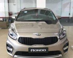 Cần bán Kia Rondo GAT sản xuất năm 2018, xe giao ngay giá 669 triệu tại Tp.HCM