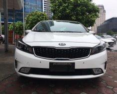 Bán xe Kia Cerato 2.0 sản xuất 2016, màu trắng. LH em để nhận giá tốt giá 628 triệu tại Hà Nội