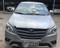 Cần bán lại xe Toyota Innova sản xuất năm 2015, màu bạc số sàn, giá chỉ 593 triệu giá 593 triệu tại Tp.HCM