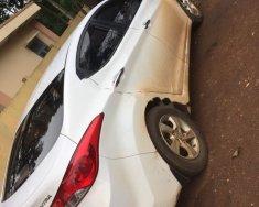 Cần bán xe Hyundai Elantra đời 2014, màu trắng, còn rất đẹp giá 495 triệu tại Bình Phước