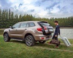 Bán Ford Everest mới 100%, có xe giao ngay đủ màu. 0976 898 222 hoặc 0962128689 để nhận ưu đãi nhất giá 1 tỷ 112 tr tại Hà Nội
