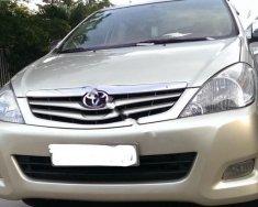 Cần bán chiếc xe Toyota Innova đời 2009, màu ghi vàng, nội thất đẹp, máy êm giá 405 triệu tại Tp.HCM