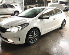 Bán Kia Cerato 2.0AT màu trắng số tự động, sản xuất 2016, biển Sài Gòn giá 596 triệu tại Tp.HCM