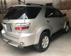 Cần bán xe Toyota Fortuner 2009 máy xăng 2 cầu, màu bạc giá 495 triệu tại Tp.HCM