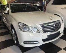 Cần bán lại xe Mercedes E350 năm sản xuất 2012, màu trắng giá 950 triệu tại Hà Nội