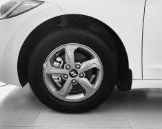 Bán Hyundai Elantra 1.6 AT màu trắng xe có sẵn giao ngay, hỗ trợ vay trả góp lãi suất ưu đãi, LH 0903 175 312 giá 635 triệu tại Tp.HCM