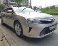 Cần bán xe Toyota Camry đời 2015 giá 1 tỷ 45 tr tại Hà Nội