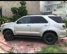 Cần bán xe Toyota Fortuner sản xuất năm 2015, màu bạc, 890 triệu giá 890 triệu tại Tp.HCM