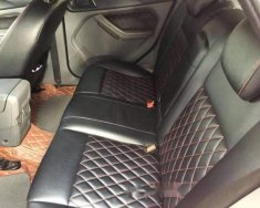 Bán Ford Focus 1.8 sản xuất năm 2011, màu đỏ giá 350 triệu tại Hải Dương