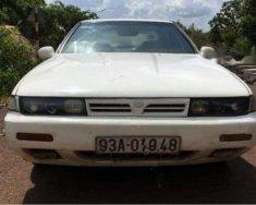Cần bán lại xe Nissan Cefiro đời 1992, màu trắng giá 57 triệu tại Bình Phước