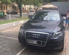 Cần bán gấp Audi Q5, đời 2011, số tự động, màu đen bóng giá 960 triệu tại Tp.HCM