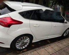 Cần bán lại xe Ford Focus đời 2017, màu trắng giá 800 triệu tại Tp.HCM