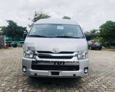 Cần bán xe Toyota Hiace sản xuất 2018, màu bạc giá 999 triệu tại Tp.HCM