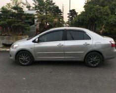 Nhà tôi bán xe Toyota Vios 1.5E sx cuối 2012, màu bạc, chính chủ gia đình từ đầu giá 322 triệu tại Hà Nội