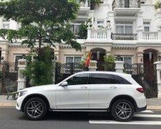 Cần bán Mercedes GLC 300 4Matic đời 2018, màu trắng giá 2 tỷ 160 tr tại Hà Nội