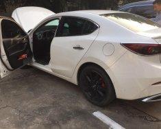 Bán Mazda 3 2.0 đời 2017, màu trắng giá 720 triệu tại Hà Nội