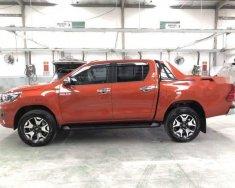 Cần bán xe Toyota Hilux đời 2018 xe gia đình giá 900 triệu tại Tp.HCM