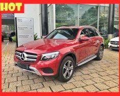 Bán xe Mercedes GLC250 đỏ 2017 chính hãng. Trả trước 650 triệu nhận xe ngay giá 1 tỷ 750 tr tại Tp.HCM