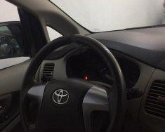 Cần bán gấp Toyota Innova đời 2015, màu bạc, 565tr giá 565 triệu tại Hà Nội