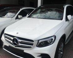 Bán xe Mercedes GLC300 4matic 2018, màu trắng giá 2 tỷ 160 tr tại Hà Nội