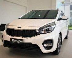 Cần bán xe Kia Rondo 2.0 GMT 2018, màu trắng giá cạnh tranh giá 609 triệu tại Tp.HCM