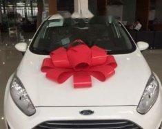 Cần bán xe Ford Fiesta đời 2018, màu trắng giá tốt giá 565 triệu tại Tp.HCM