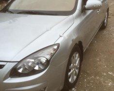 Gia đình bán xe Hyundai i30 CW 1.6 AT đời 2010, màu bạc, nhập khẩu giá 400 triệu tại Hà Nội