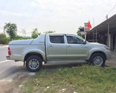 Cần bán xe Toyota Hilux năm sản xuất 2014, màu bạc số sàn giá Giá thỏa thuận tại Nghệ An