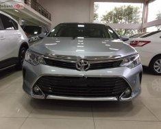 Cần bán lại xe Toyota Camry 2.0E sản xuất năm 2016, màu bạc giá 900 triệu tại Vĩnh Phúc