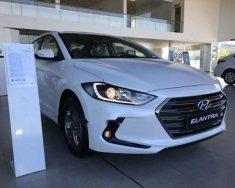 Bán xe Hyundai Elantra đời 2018, màu trắng giá 570 triệu tại Quảng Nam