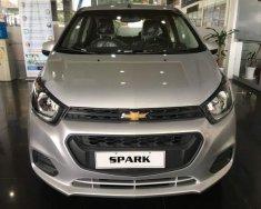 Cần bán Chevrolet Spark đời 2018, màu bạc giá 299 triệu tại Tp.HCM